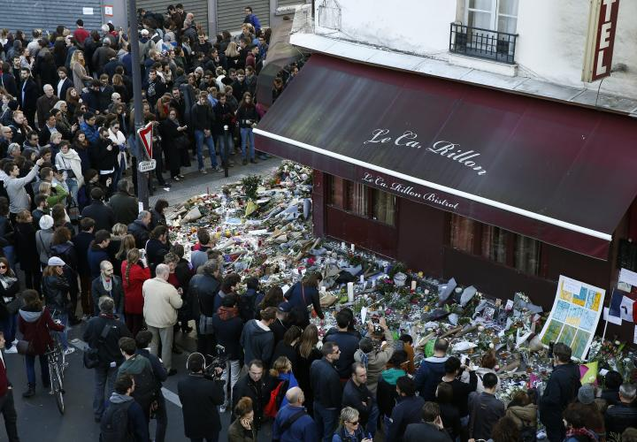 attentats-paris-carillon-hommage-francesoir_field_image_principale